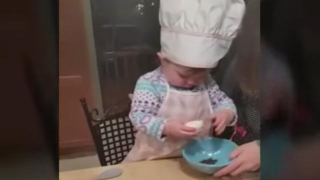 When Dad said, Give her an egg, even Mom couldnt believe her babys response.