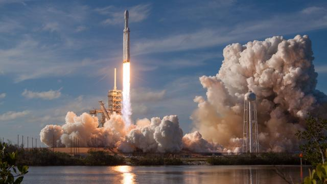COHETE 'Falcon Heavy' de SPACEX