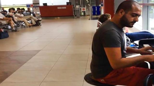 Pianist Stuns Airport With Beethoven And Celine Dion Mashup