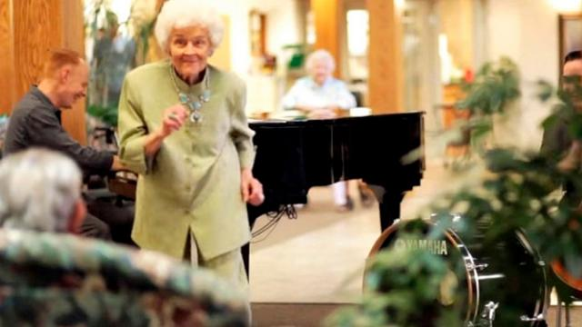 Nursing Home Residents Hear All Time Favorite Tune Surprise Nurses With Reaction Lighting Up The Int