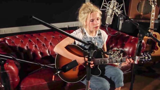 Billie Marten - You Make My Dreams (Hall & Oates Cover) Ont' Sofa Gibson Sessions