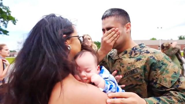 MARINE MEETS HIS SON FOR THE FIRST TIME