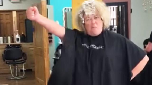 Hairstylist Goes Viral With -Uptown Funk- Lip-Sync Challenge