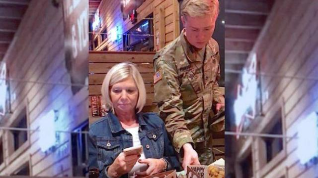 Mom Surprised by Waiter and Breaks Down in Tears