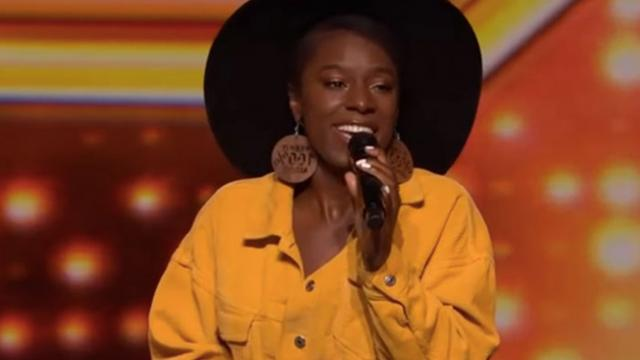 "Backup Singer Steals Spotlight With Out-Of-This-World ""X-Factor"" Audition."