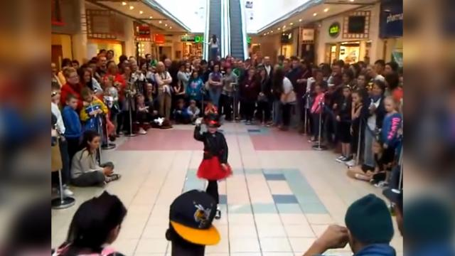 Crowd Forms Around Tiny Girl, Instant Music Starts Her Unusual Dance Brings Crowd To Standstill
