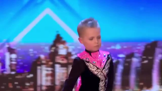 Six-Year-Old Dazzles Judges With Incredible Irish Dance Routine