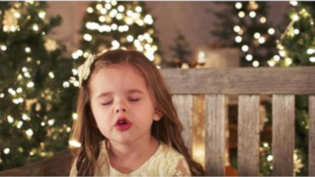 Tiny Girl Shuts Her Eyes To Sing Favorite Christmas Song, Brings Tears To All Within 1st Note