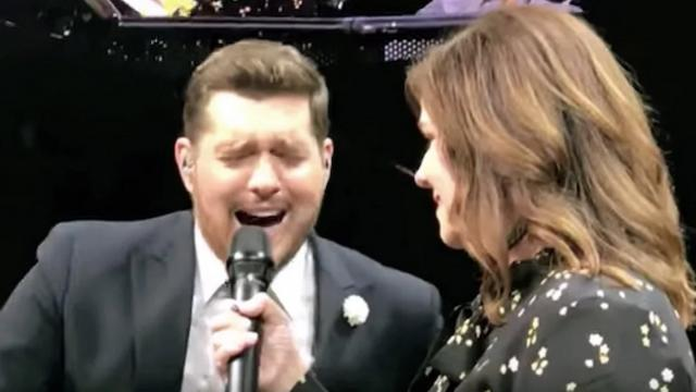 Michael Buble canta con profesora de sexto grado A Whole New