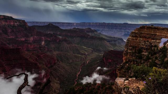 Mesmerizing time-lapse captures rare cloud phenomenon in Grand Canyon