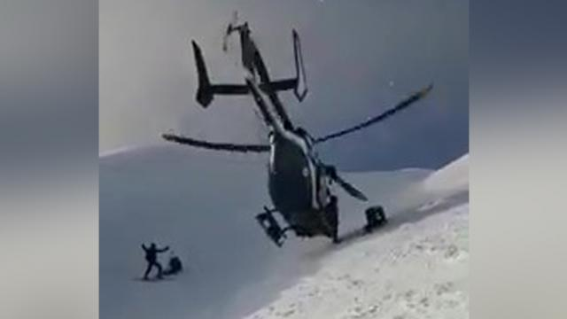 Pilot's Insane Skills Help Pull Off Dramatic Helicopter Rescue