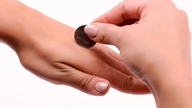 WATCH: 4 impressive magic tricks that you can show off to your friends anytime