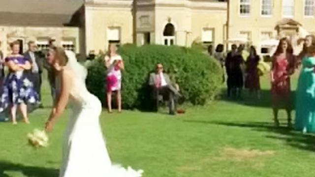 Man Runs Away After His Girlfriend Catches The Bride's Bouqu