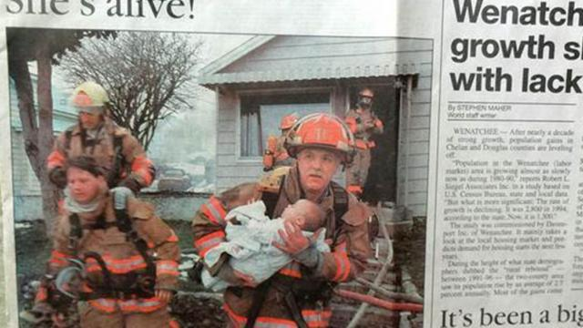Firefighter Reunited With The Baby He Saved 17 Years Ago, The Result Is Beautiful To See.