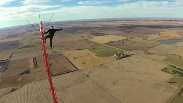 No nets, no ropes, no fear Video shows daredevil climbing to