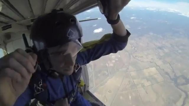 Guy Saves Man Having Seizure At 12,000ft While Skydiving