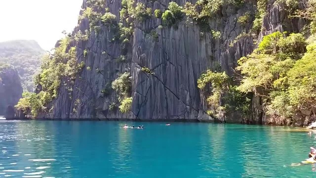 La belleza natural del Lago Kayangan en Filipinas