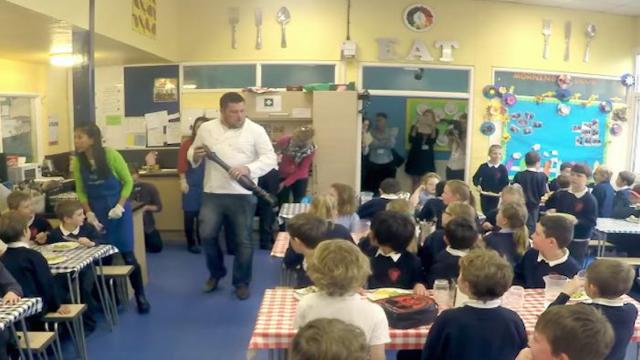 Sacla Stage a Surprise Opera in a School Lunch Hall