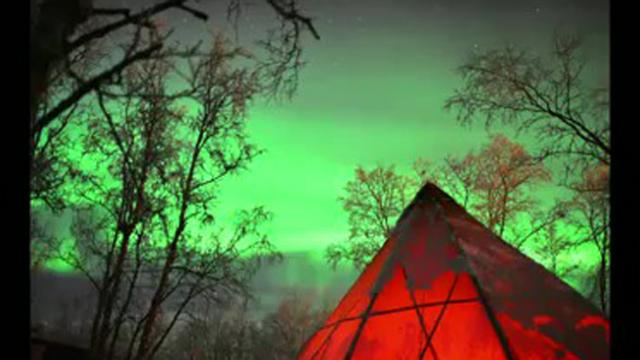 Stunning, intense videos of Northern Lights captured in Sweden32