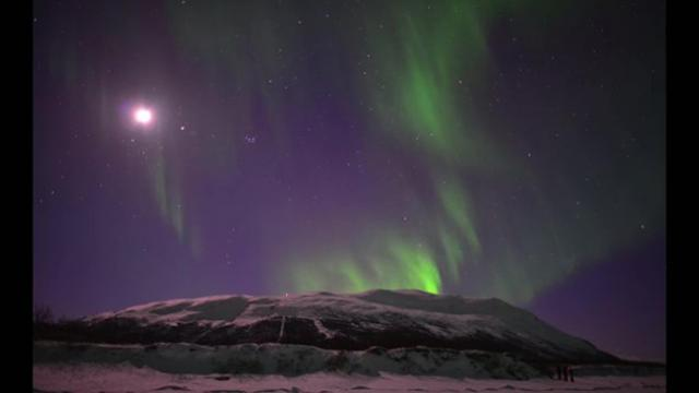 Stunning, intense videos of Northern Lights captured in Sweden