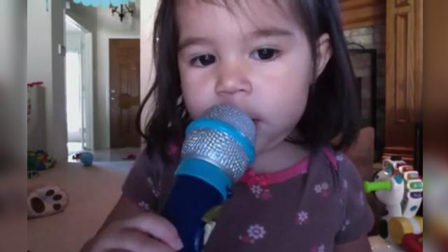 2-year-old singing Céline Dion is karaoke champion!