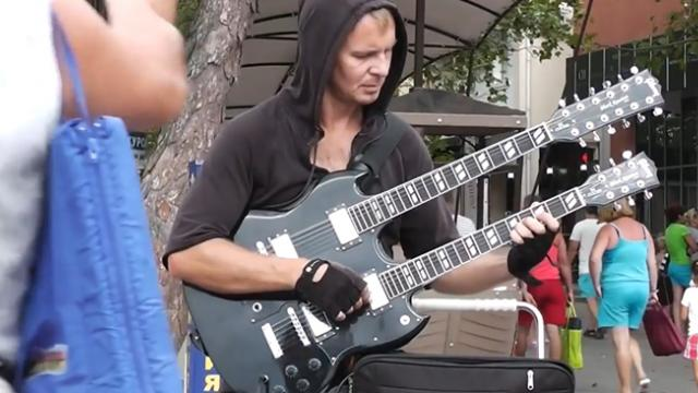 "This Street Musician Did Special Justice To ""Nothing Else Matters"" By Metallica"