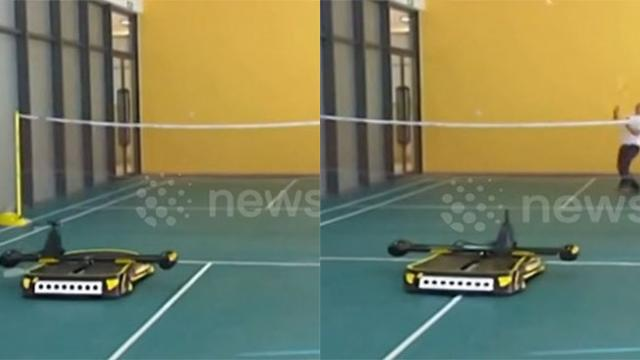 Amazing robot plays badminton with student in China