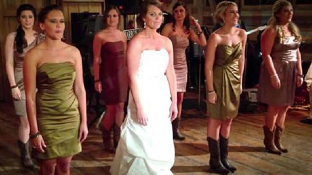 Bride clears the floor for an epic routine the guests never saw coming