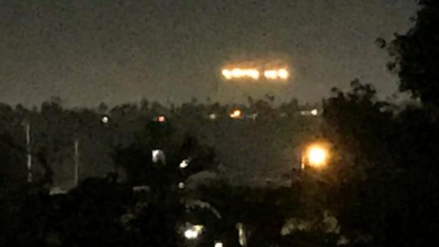 First contact- Strange lights over night sky baffle San Diego residents - YouTube