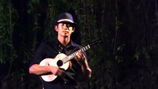 A Heartbreakingly Beautiful Ukulele Cover of The Beatles Song While My Guitar Gently Weeps