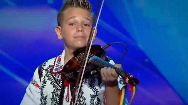 I've Never Seen Anyone Play the Violin Like This!