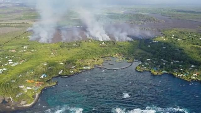 Lava from Kilauea evaporates Hawaii's largest freshwater lake in just hours