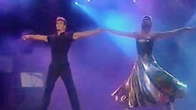 Patrick Swayze y su esposa bailando en los World Music Awards