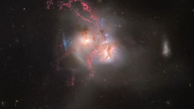 Hubble captures stunning galactic collision