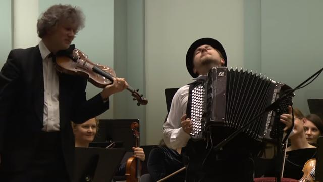 Russian famous accordion player earned more playing in metro than American famous violinist!
