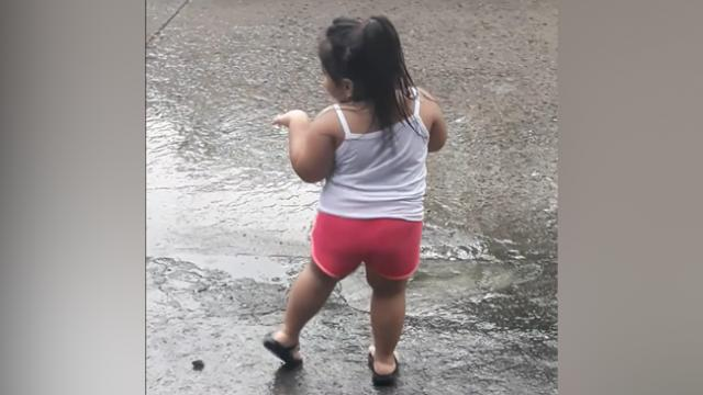 Cute Little Girl Earned 1 Million Views After Her Version Of Kiki Dance Challenge Was Posted On Soci