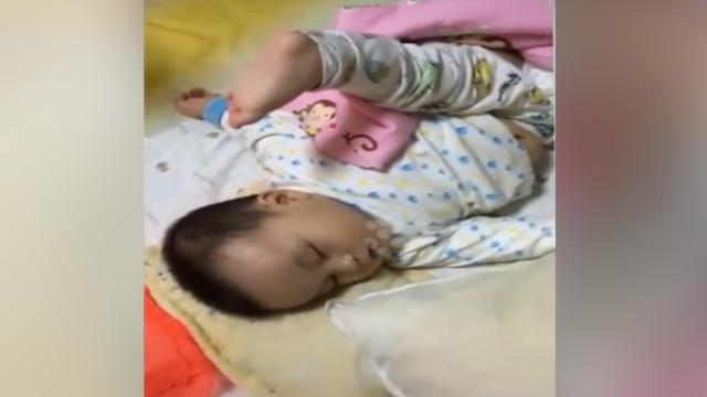 Funny moment This toddler was born to be a kung fu master