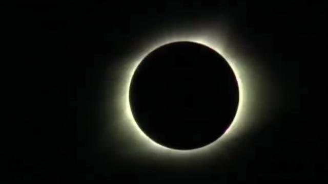 Total solar eclipse was captured in amazing time-lapse video_Large