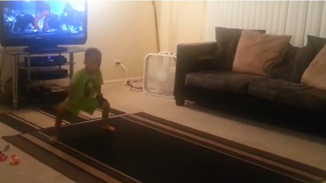 Mom Catches Her Little Boy Dancing Every Single Move To Michael Jacksons Thriller
