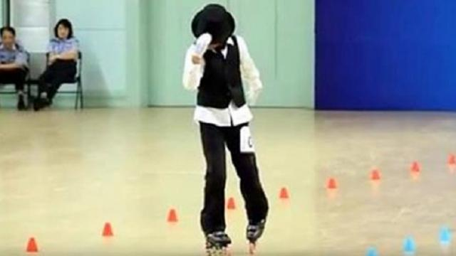 Chinese girl amazes with her roller skating dance routine to