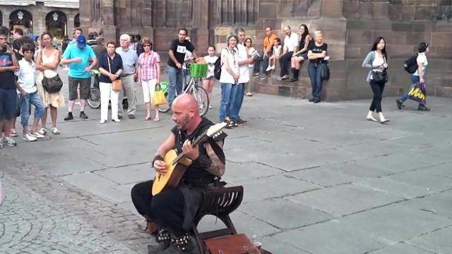 Luc Arbogast, street Performer in Strasbourg, France, has amazing vocal talent [XY2nSBXlVS4]