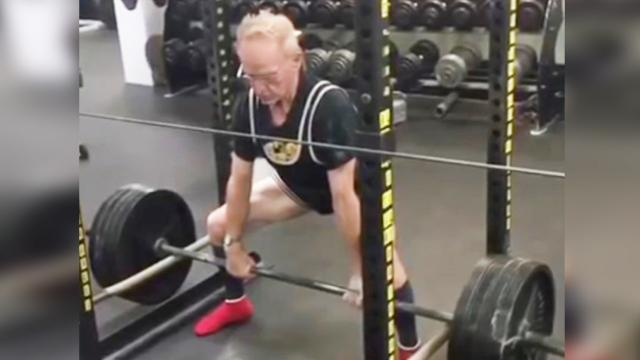 89 year old man deadlifts 405 for reps