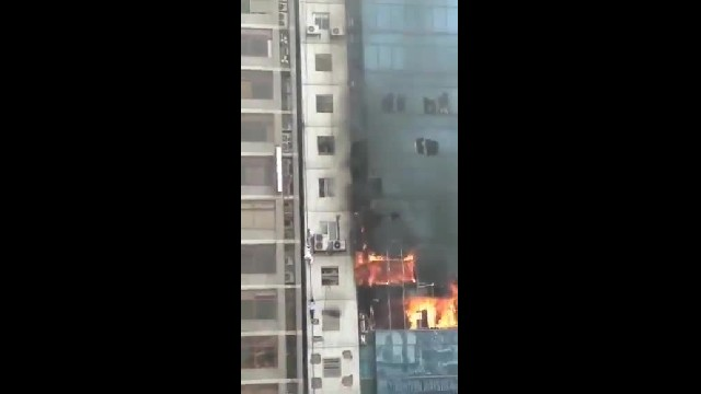 Incendio en FR Tower, Dhaka. Bangladesh.
