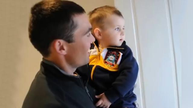 Baby Meets His Fathers Twin Brother For The First Time With Amusing Results