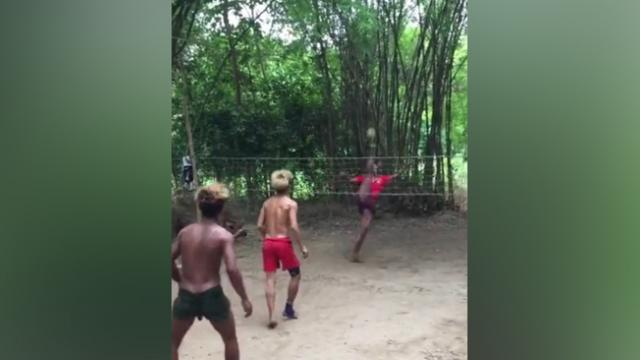 Burmese teenagers play incredible game of keepy-uppy