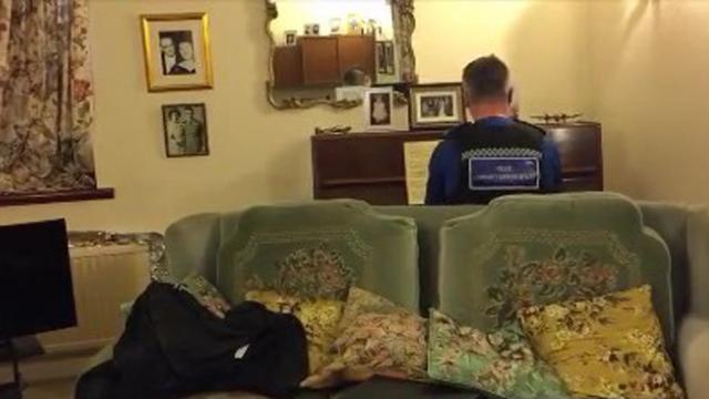 Kind Officer Plays Piano for 93-Year-Old Whose Home Was Burglarized