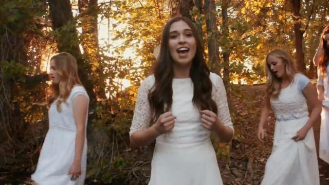 """Female Choir Sings """"Amazing Grace"""" In Acapella, And It's Soul-Stirring"""