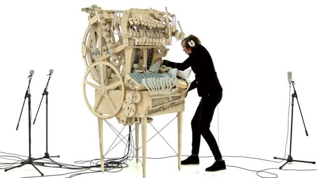 Wintergatan - Marble Machine (music instrument using 2000 marbles)