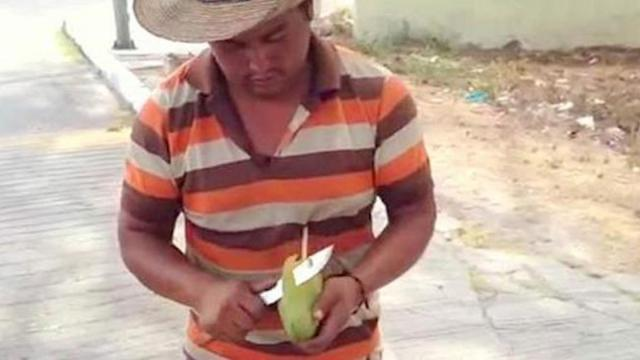 Beautiful Skill of Slicing Mango