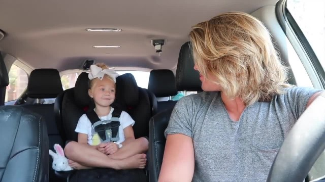 4 YEAR OLD GIRL AND DADDY DO CUTEST CARPOOL KARAOKE EVER!!!